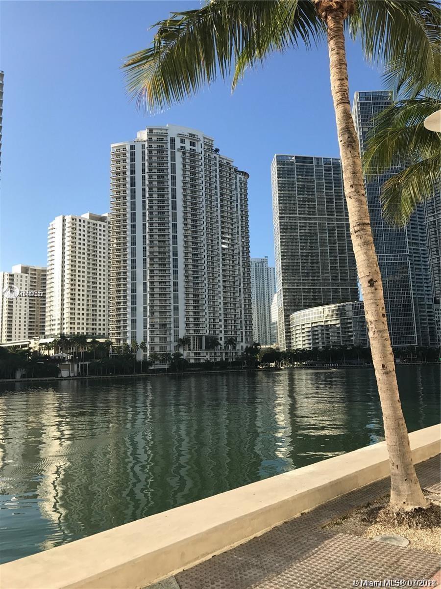 One Miami #1008 - 02 - photo