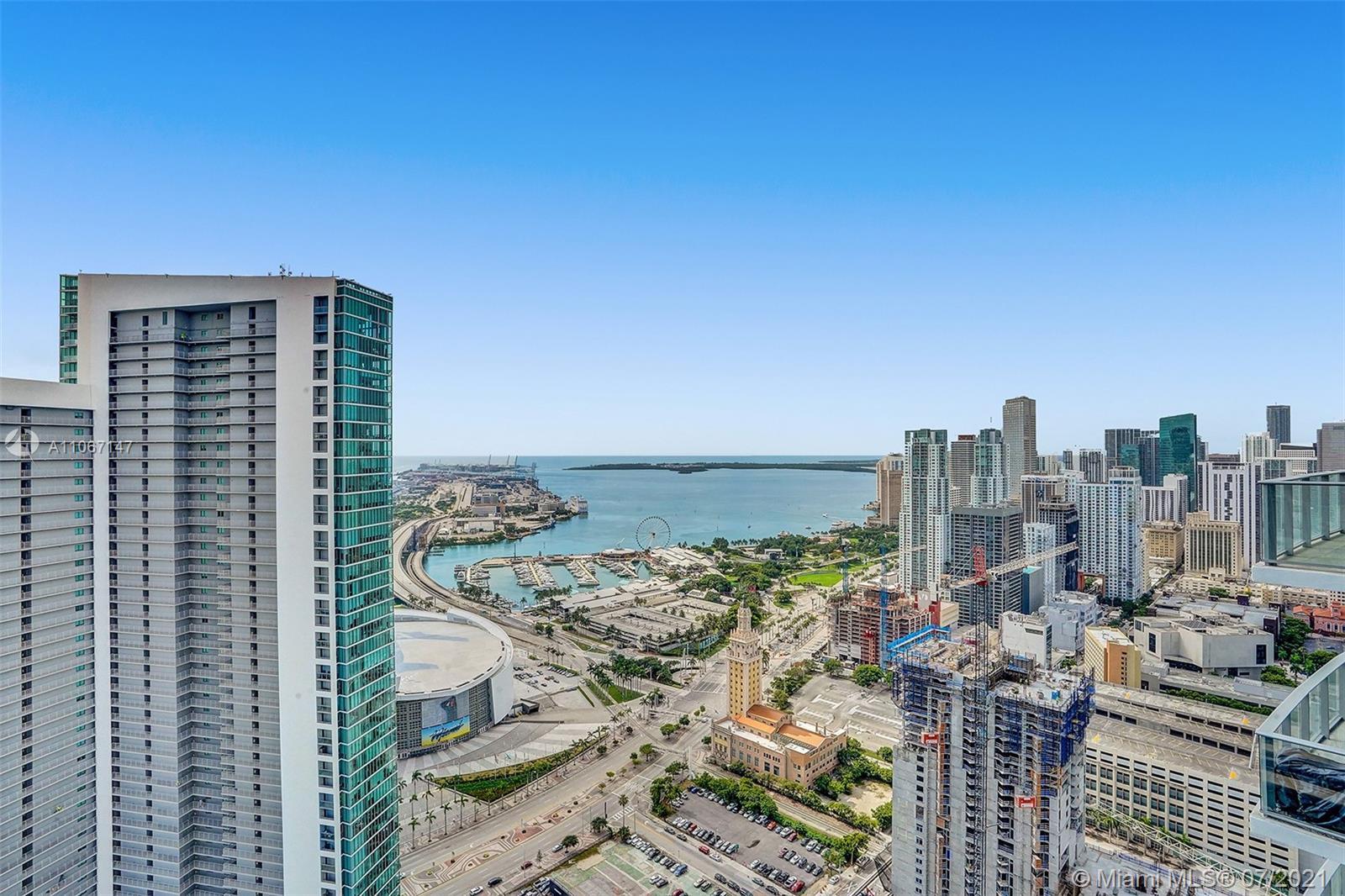 Paramount Miami Worldcenter #4405 - 02 - photo
