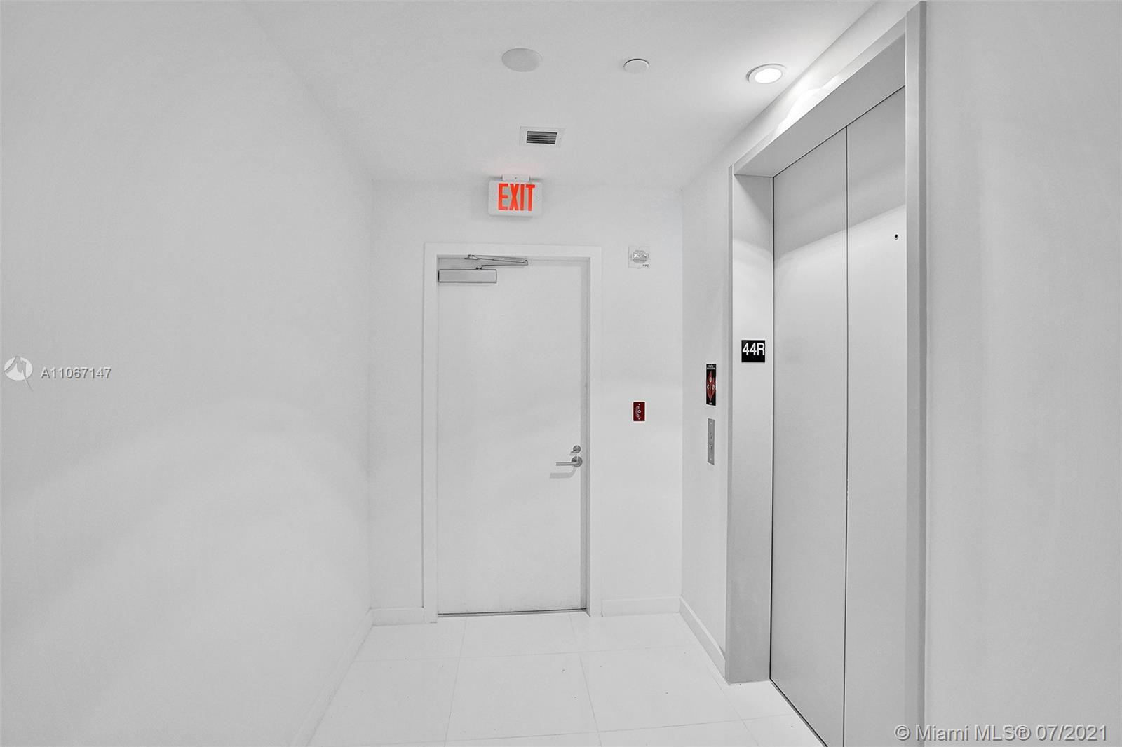 Paramount Miami Worldcenter #4405 - 53 - photo