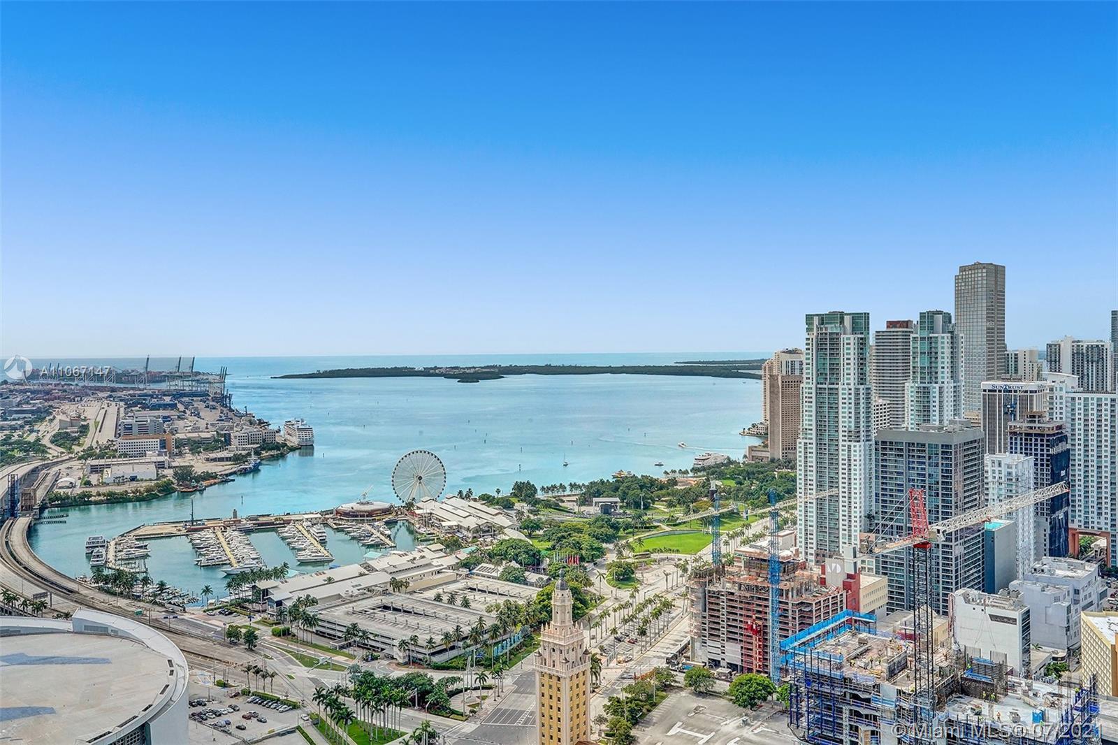 Paramount Miami Worldcenter #4405 - 01 - photo