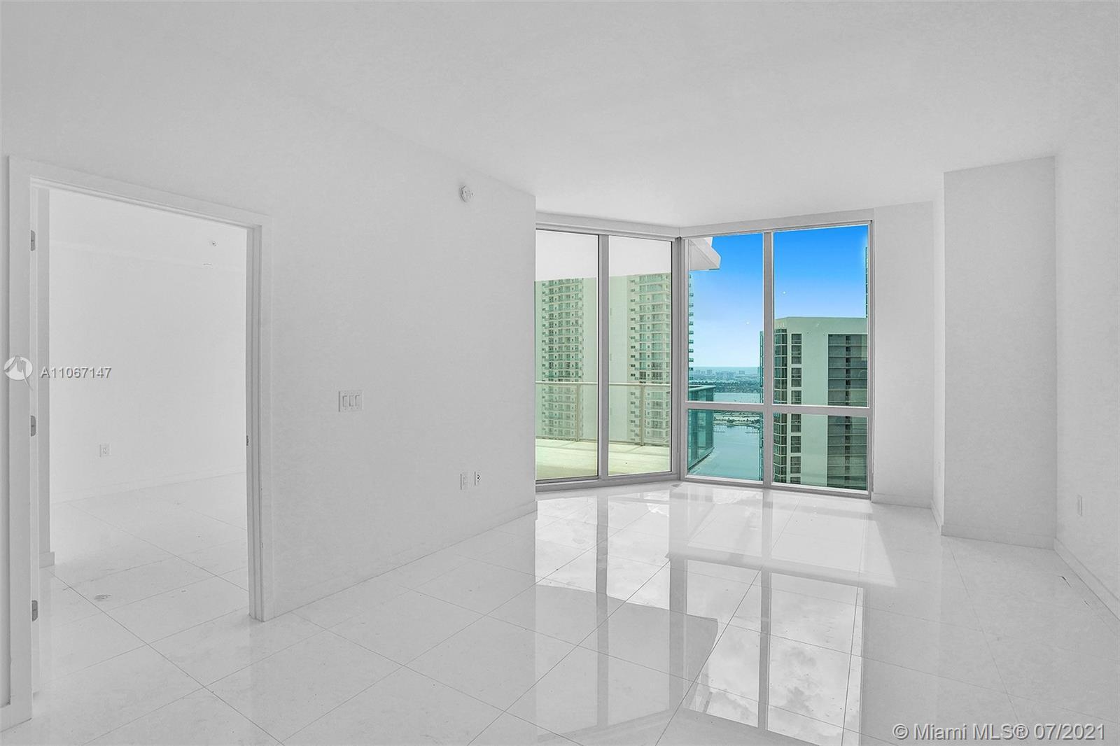 Paramount Miami Worldcenter #4405 - 25 - photo