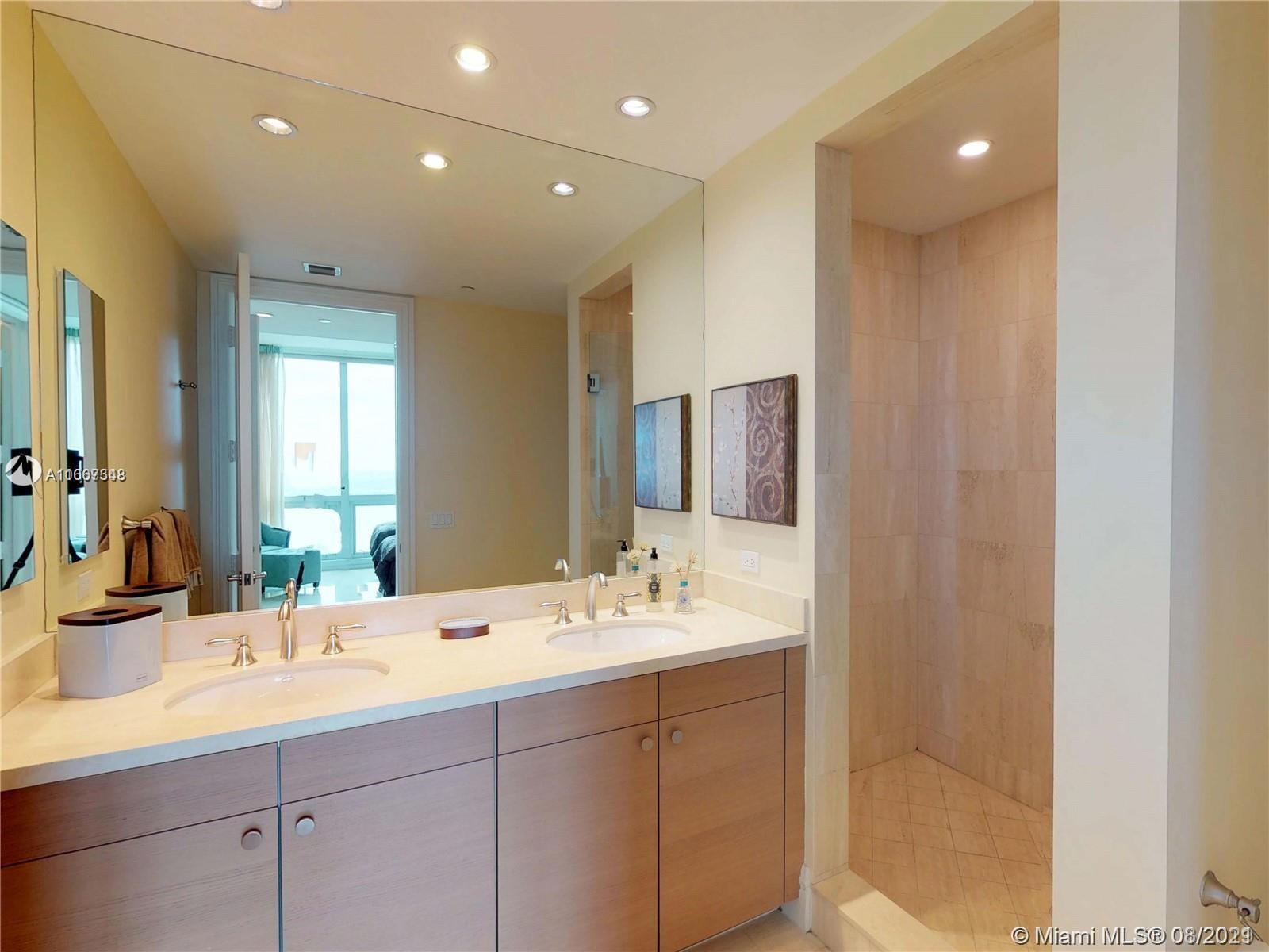 10295 Collins Ave #1406 photo021