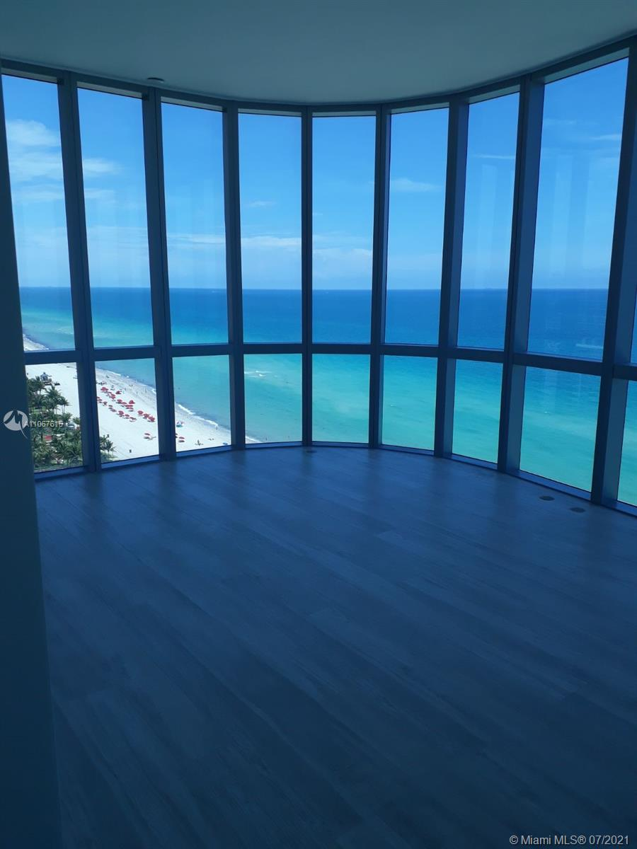 17475 Collins Ave #1401 photo02