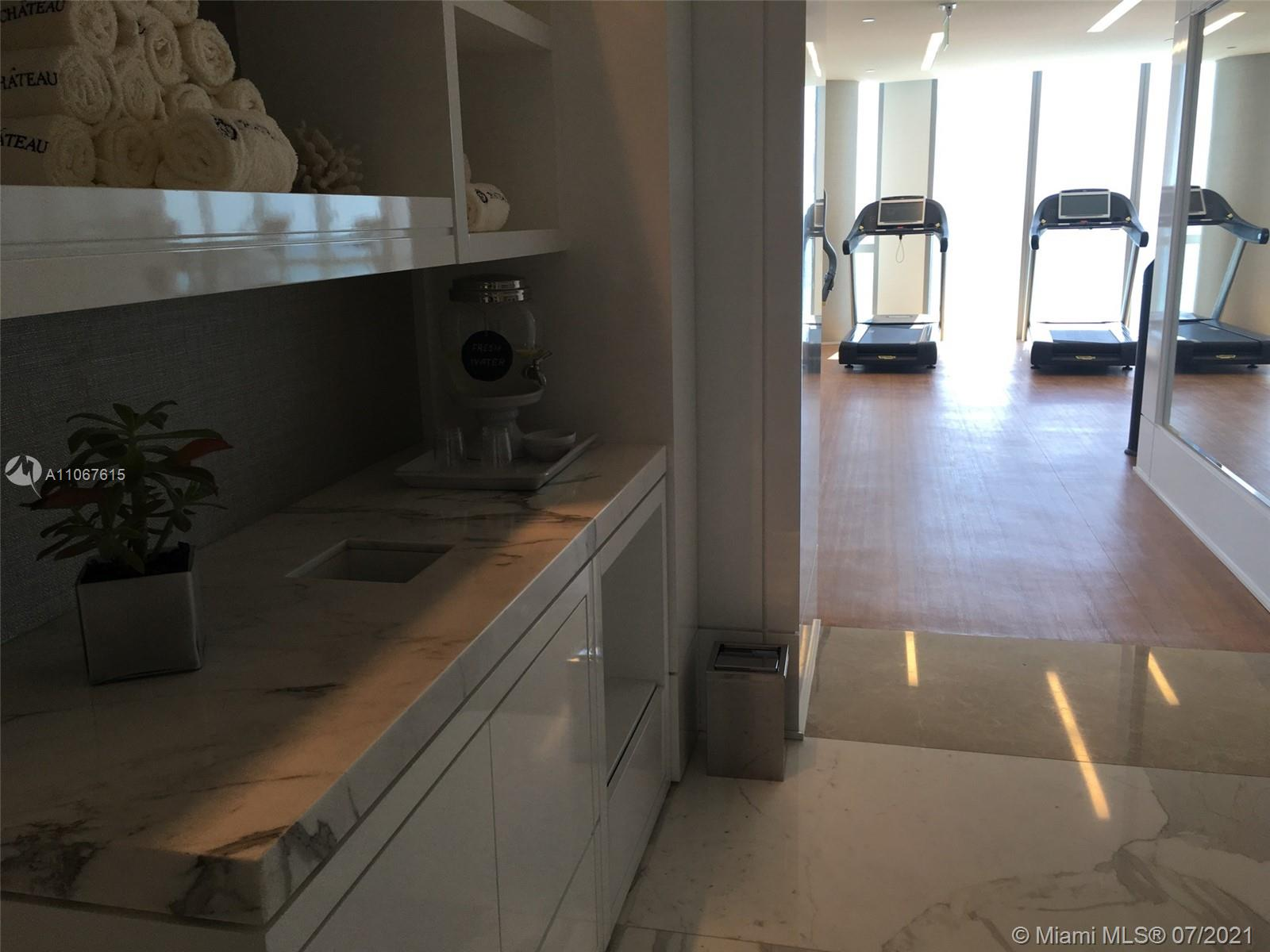 17475 Collins Ave #1401 photo020