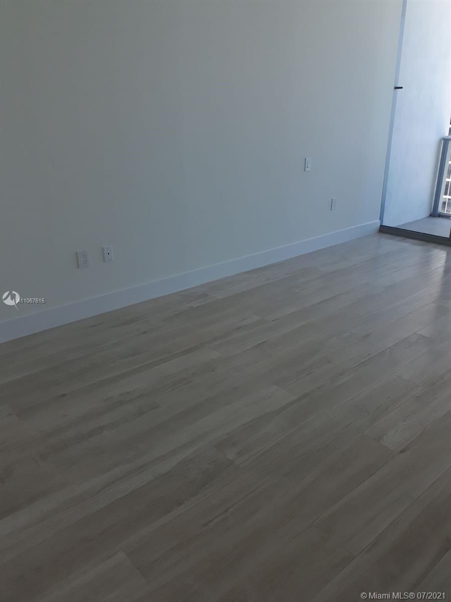 17475 Collins Ave #1401 photo029
