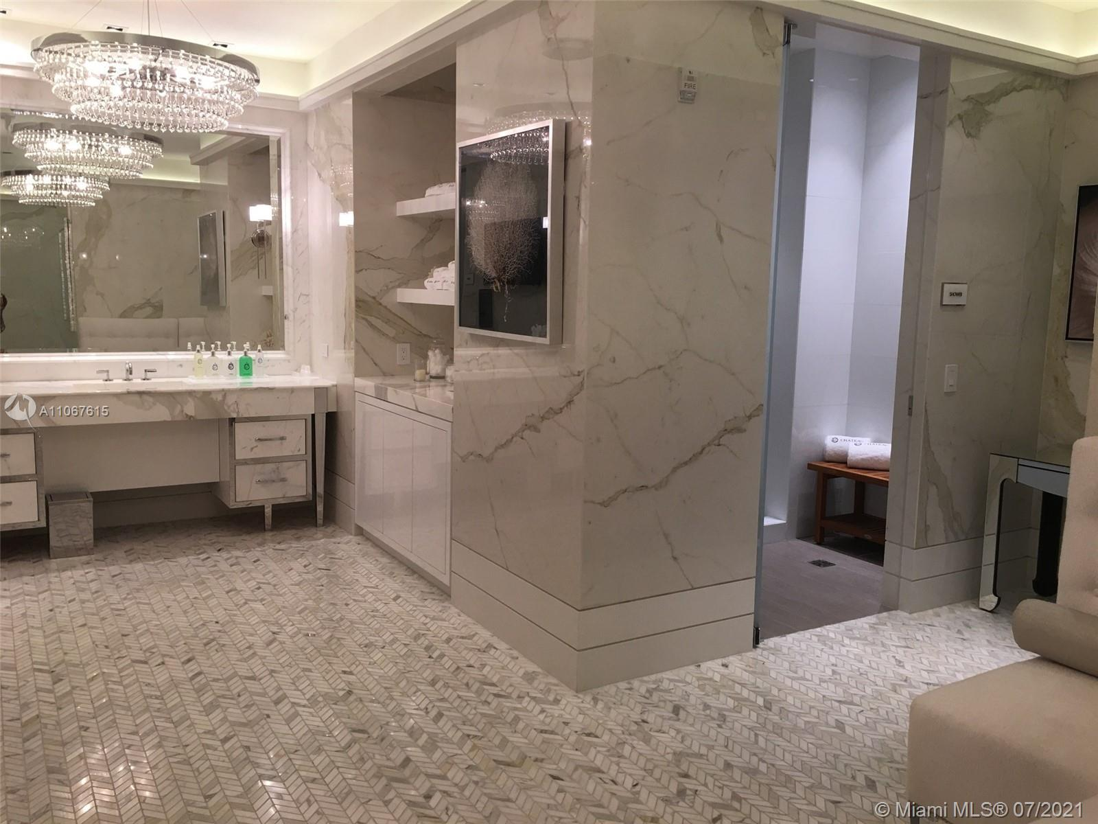 17475 Collins Ave #1401 photo04