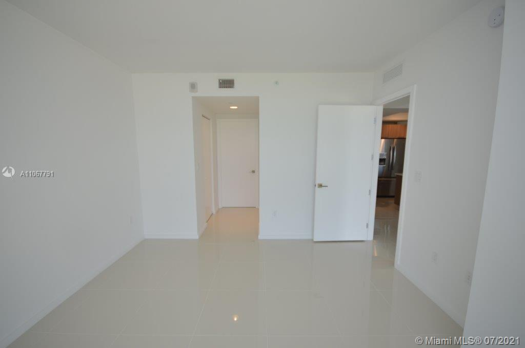 5300 NW 85th Ave #1605 photo04