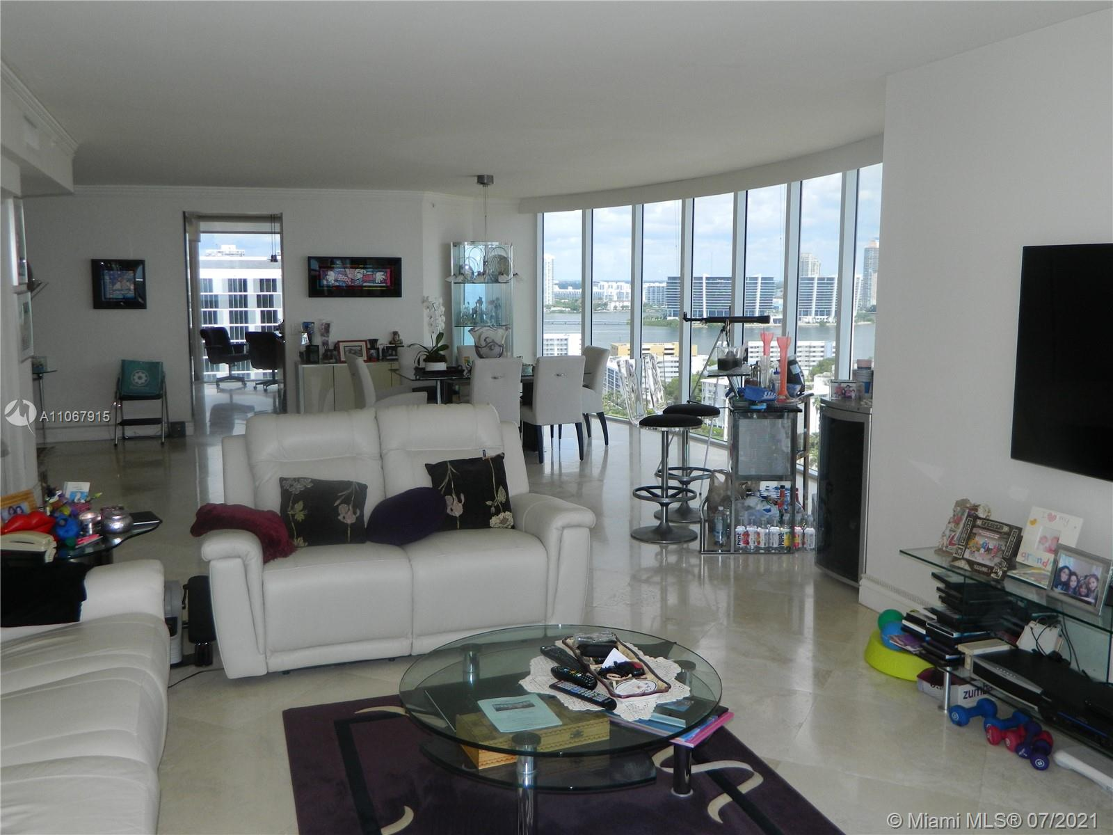 17555 Collins Ave #2108 photo010