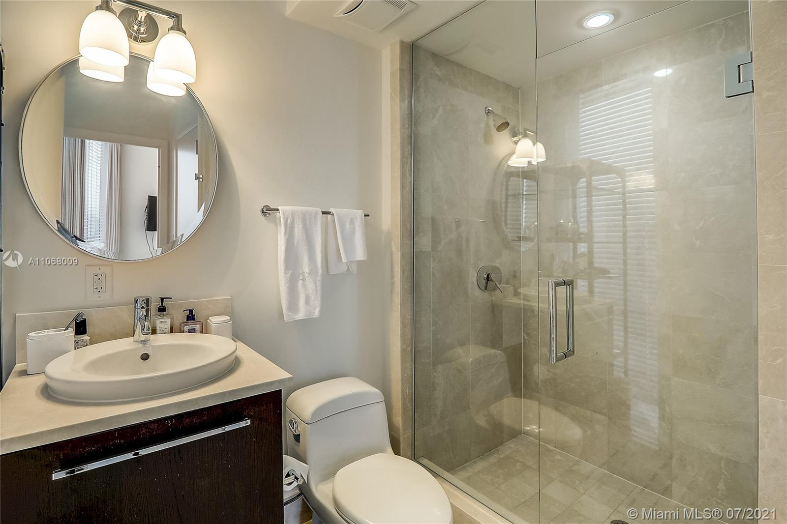 17121 Collins Ave #2208 photo018