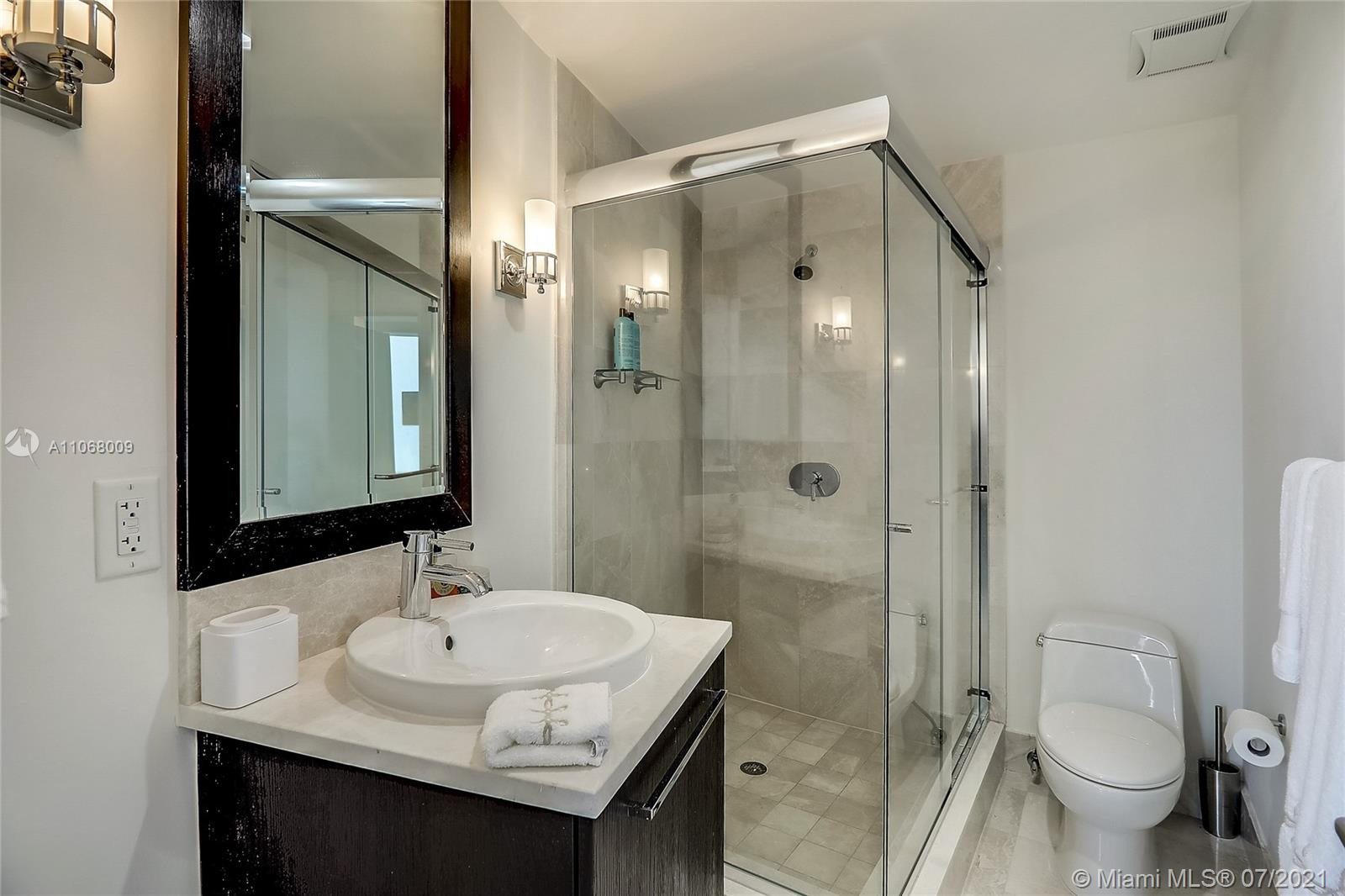 17121 Collins Ave #2208 photo015