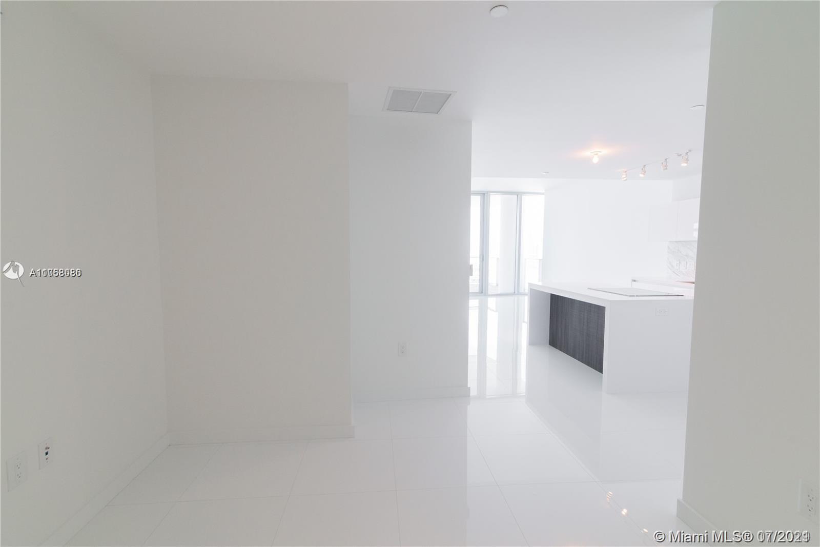 Paramount Miami Worldcenter #4200 - 20 - photo
