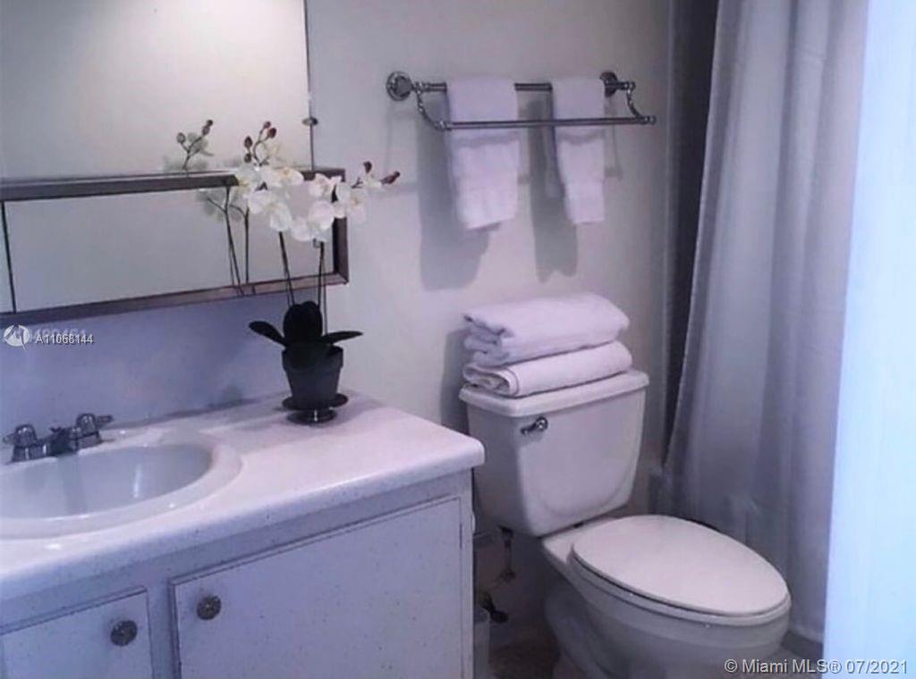 19390 Collins Ave #1123 photo022