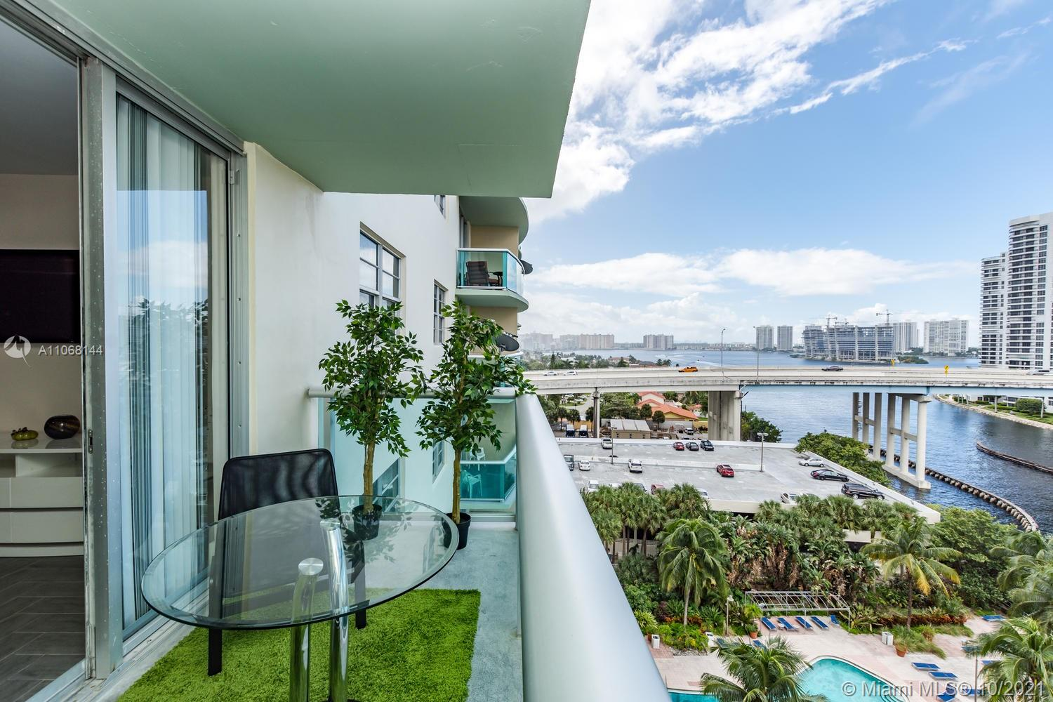19390 Collins Ave #1123 photo05
