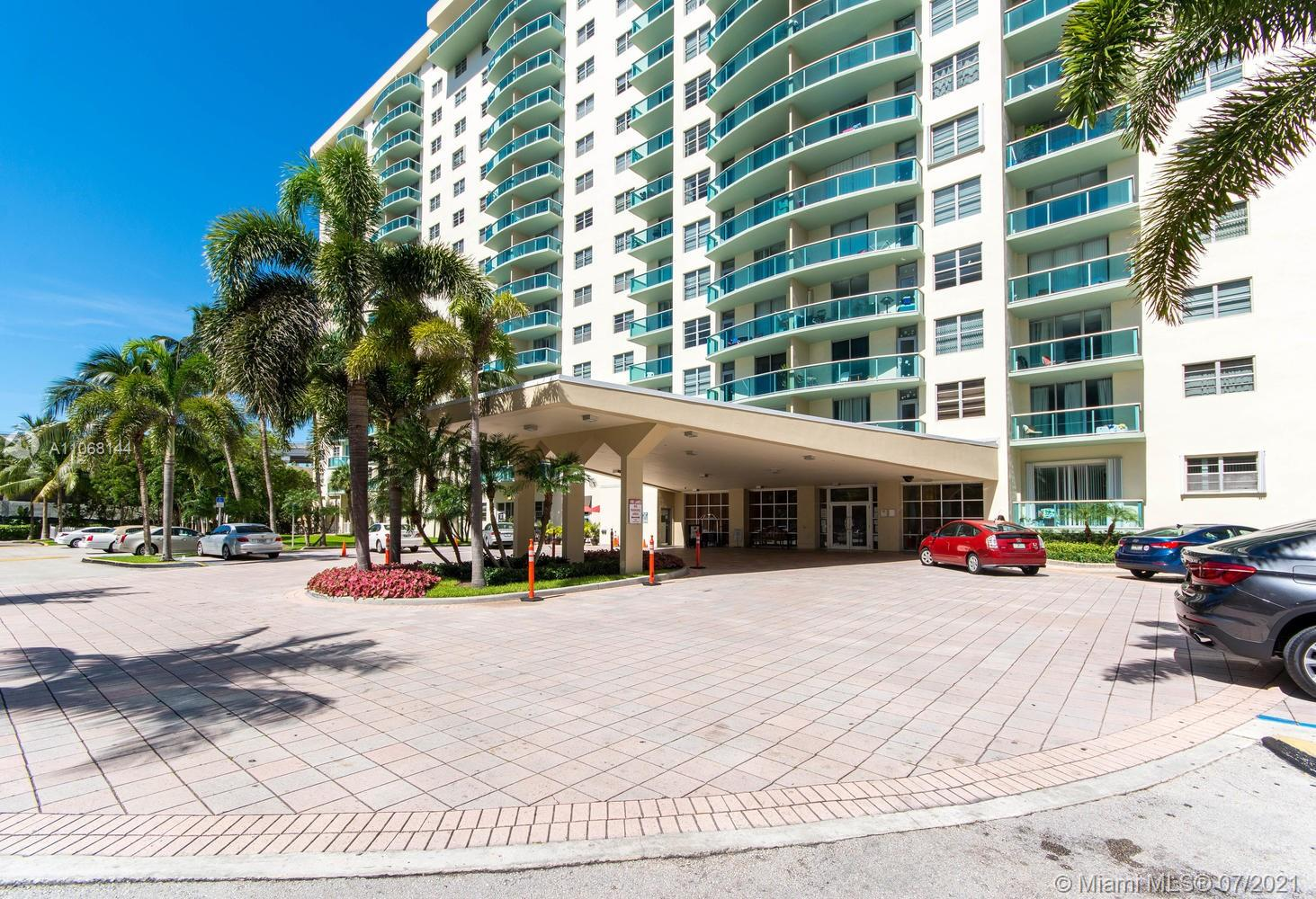 19390 Collins Ave #1123 photo010