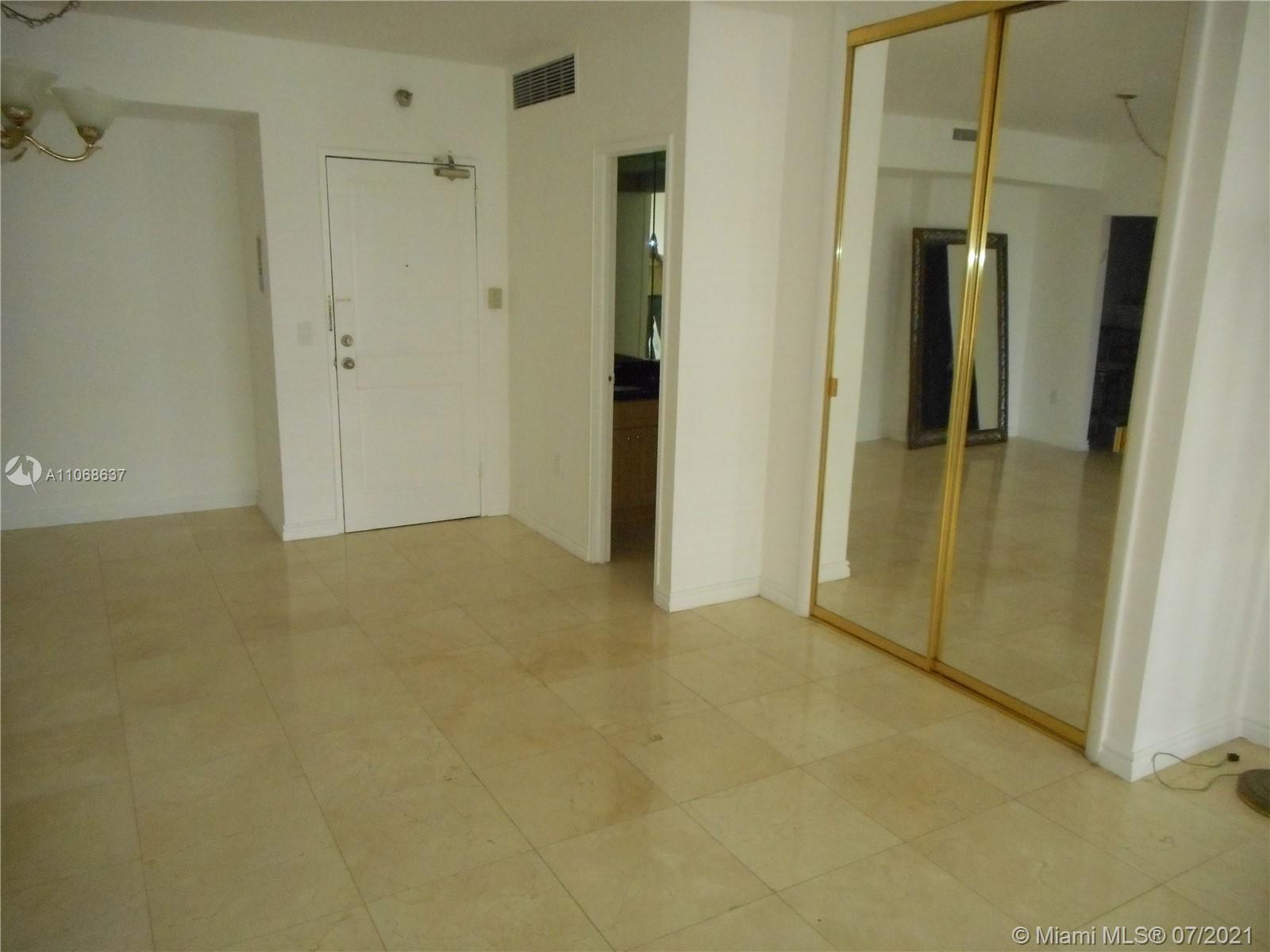 10185 Collins Ave #1022 photo05