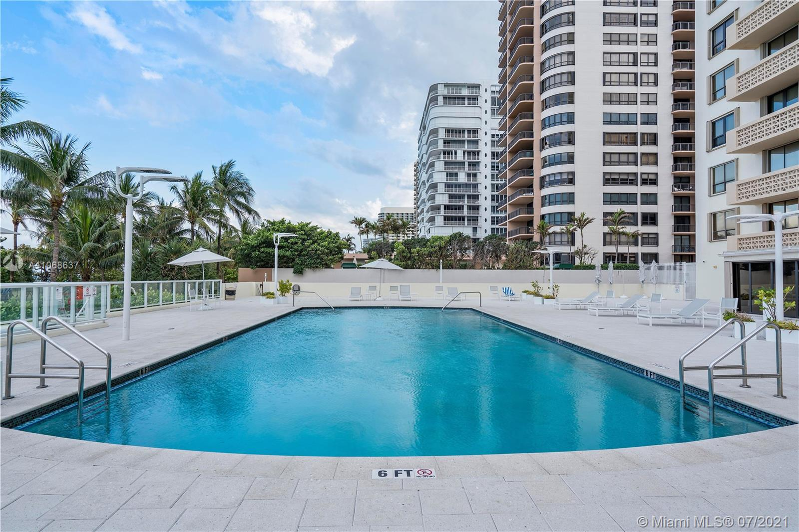 10185 Collins Ave #1022 photo015