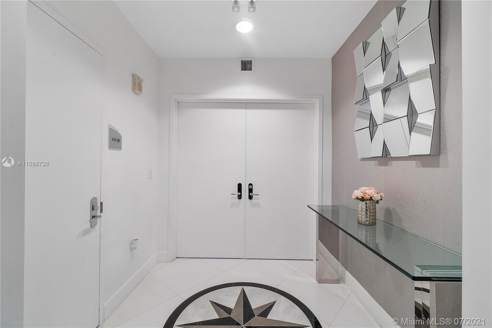 17121 Collins Ave #2108 photo08
