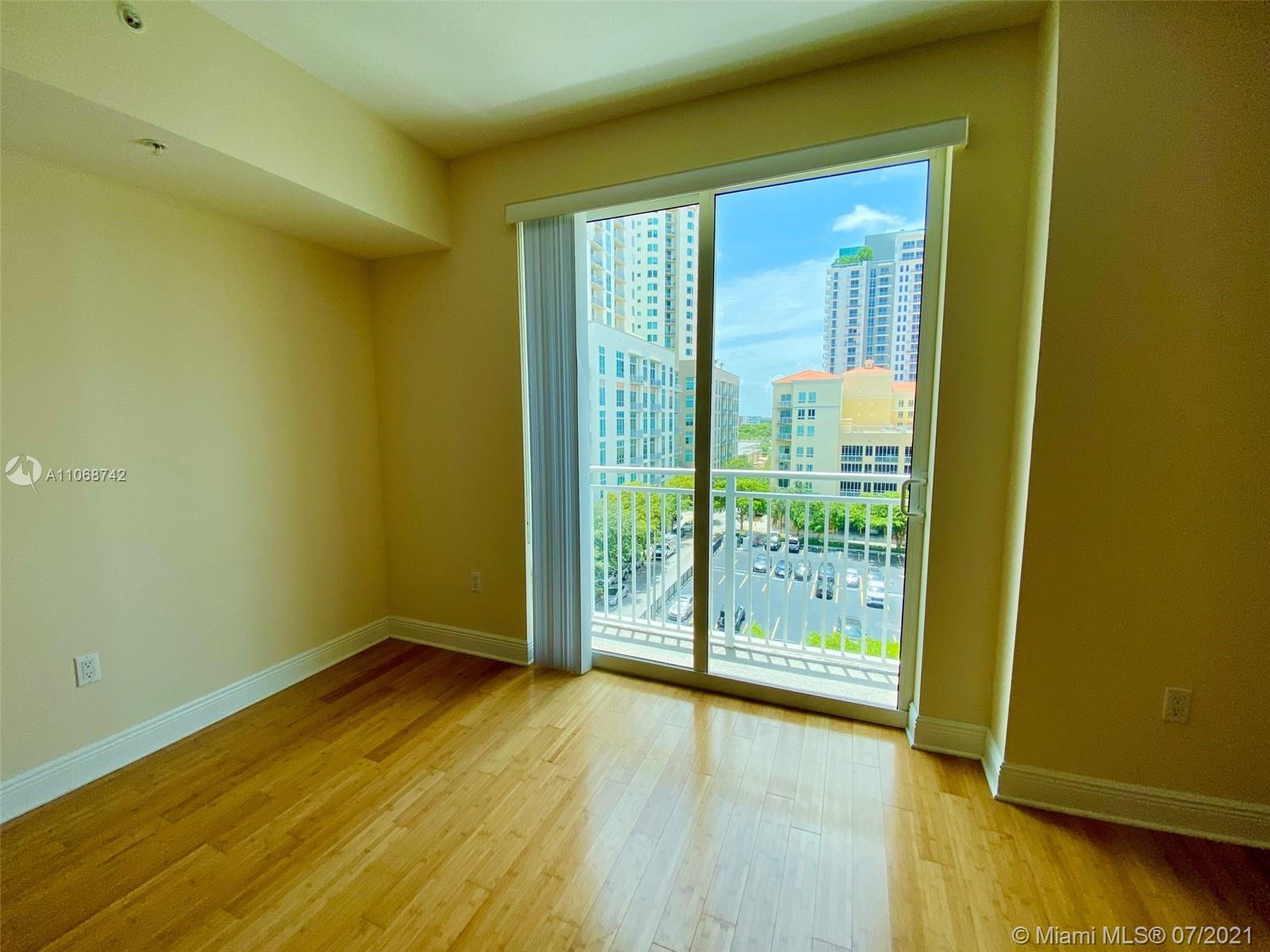 Downtown Dadeland #D613 - 04 - photo