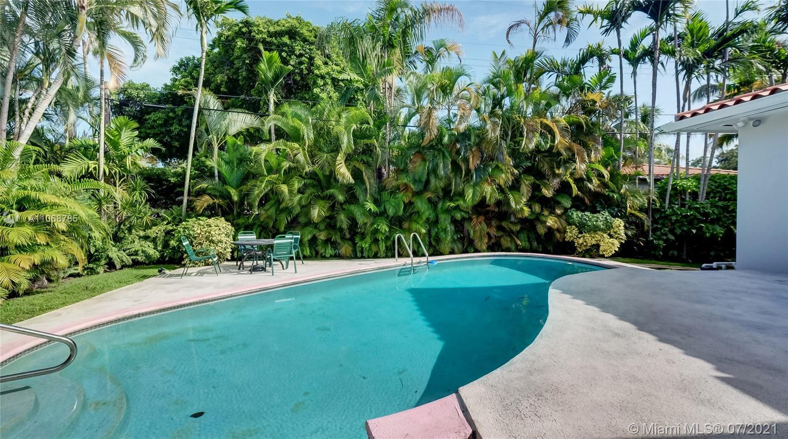 Miami Shores # - 32 - photo