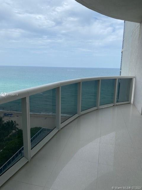 16001 Collins Ave #902 photo026