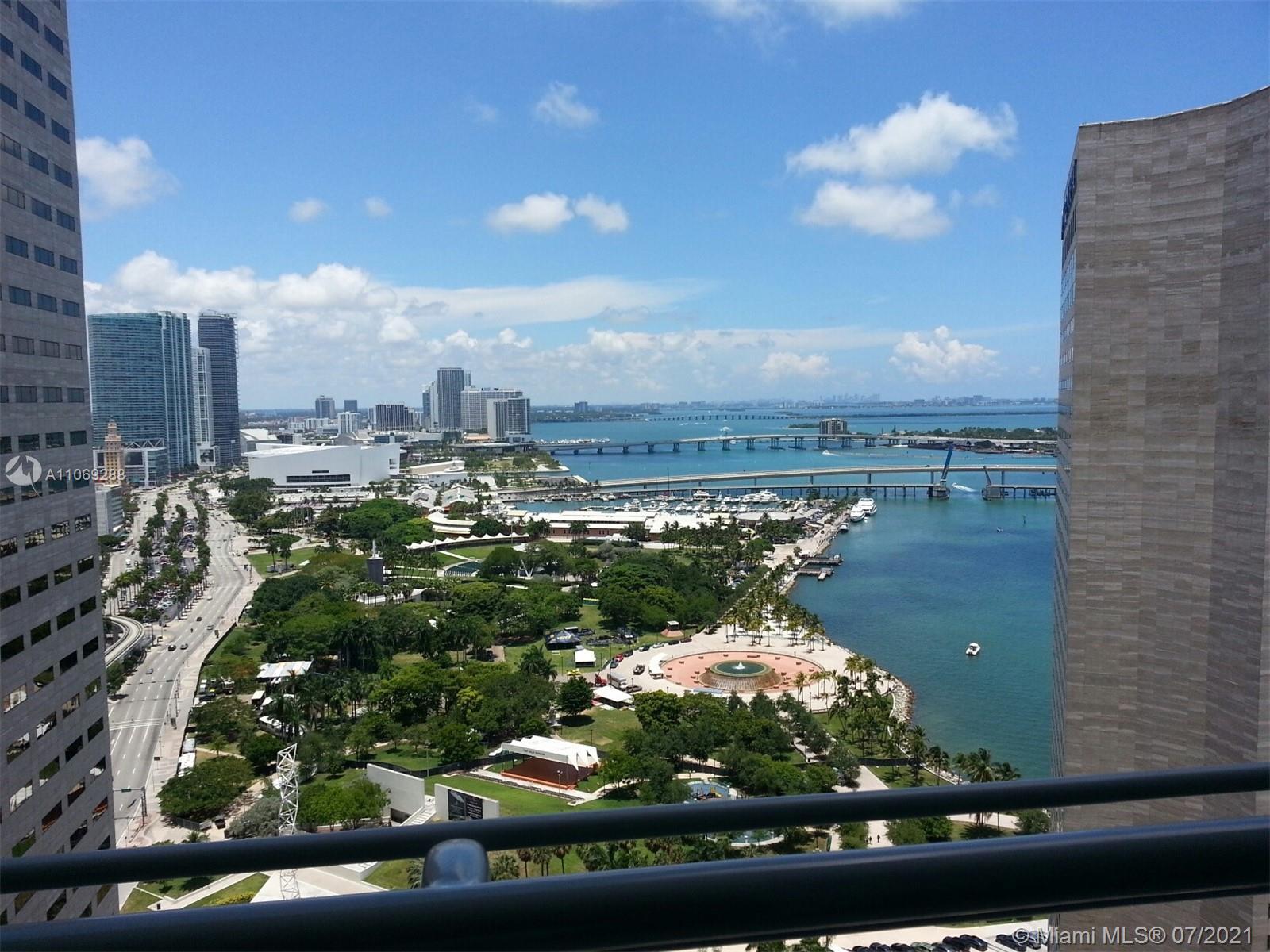 One Miami #3120 - 05 - photo