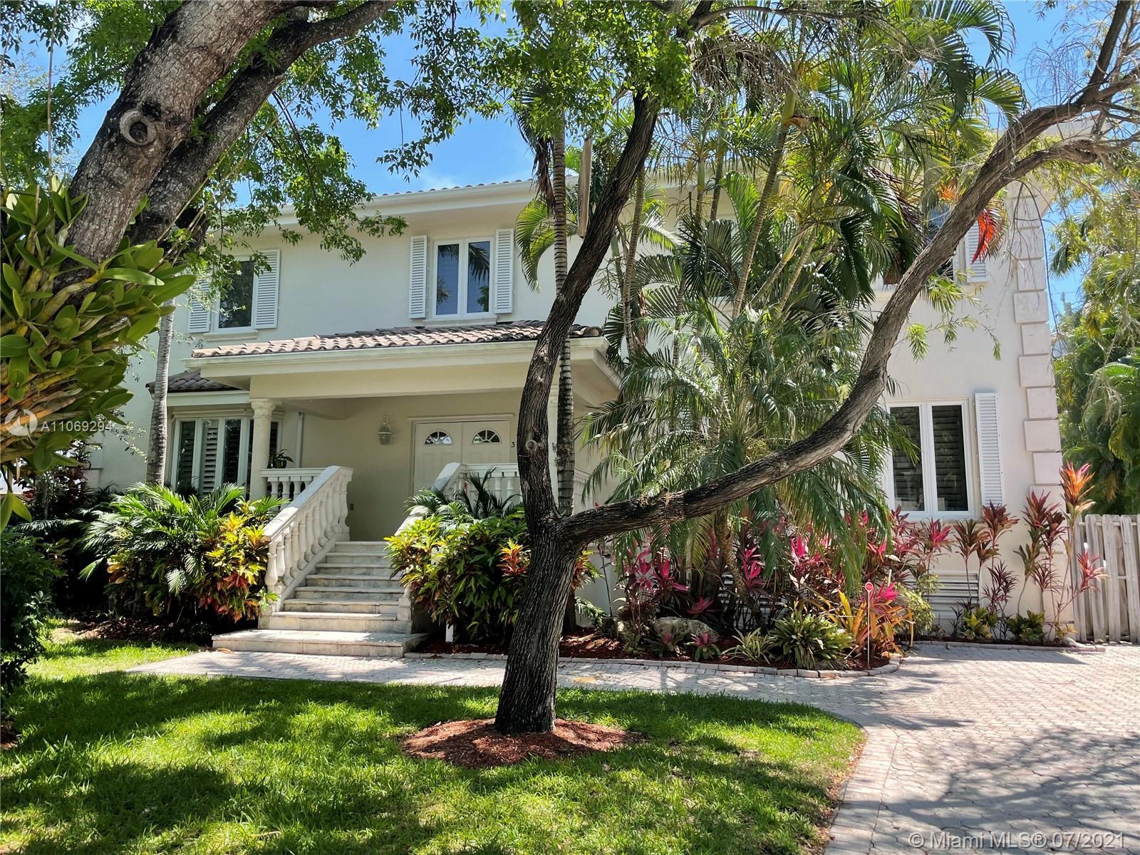 Tropical Isle Homes - 375 Ridgewood Rd, Key Biscayne, FL 33149