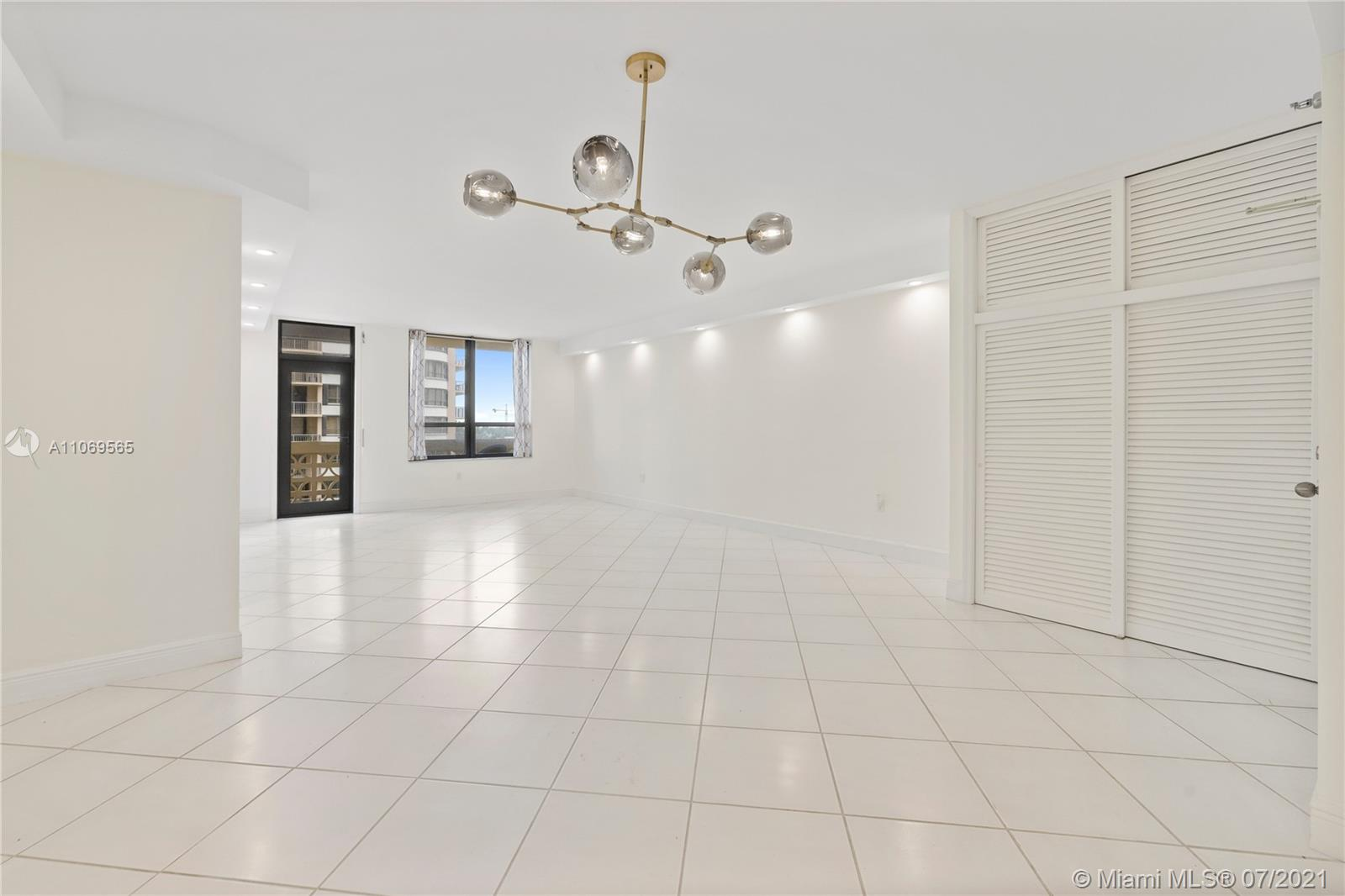 The Plaza of Bal Harbour #710 - 06 - photo