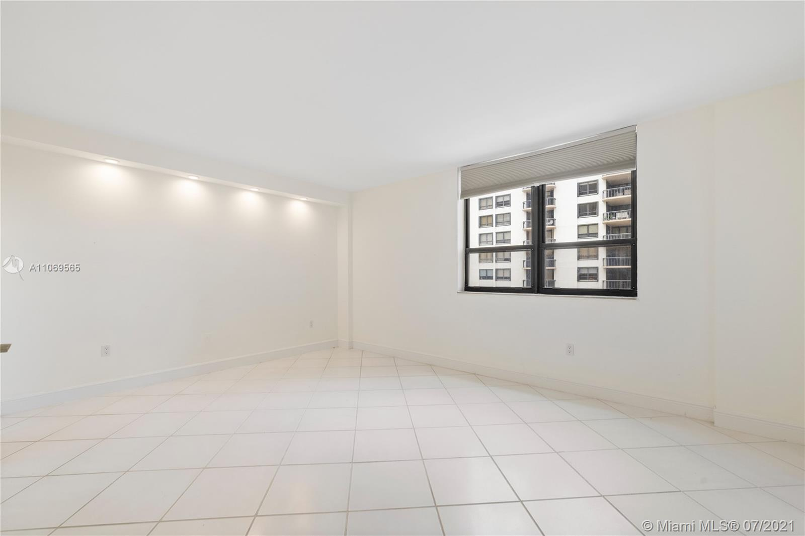 The Plaza of Bal Harbour #710 - 14 - photo