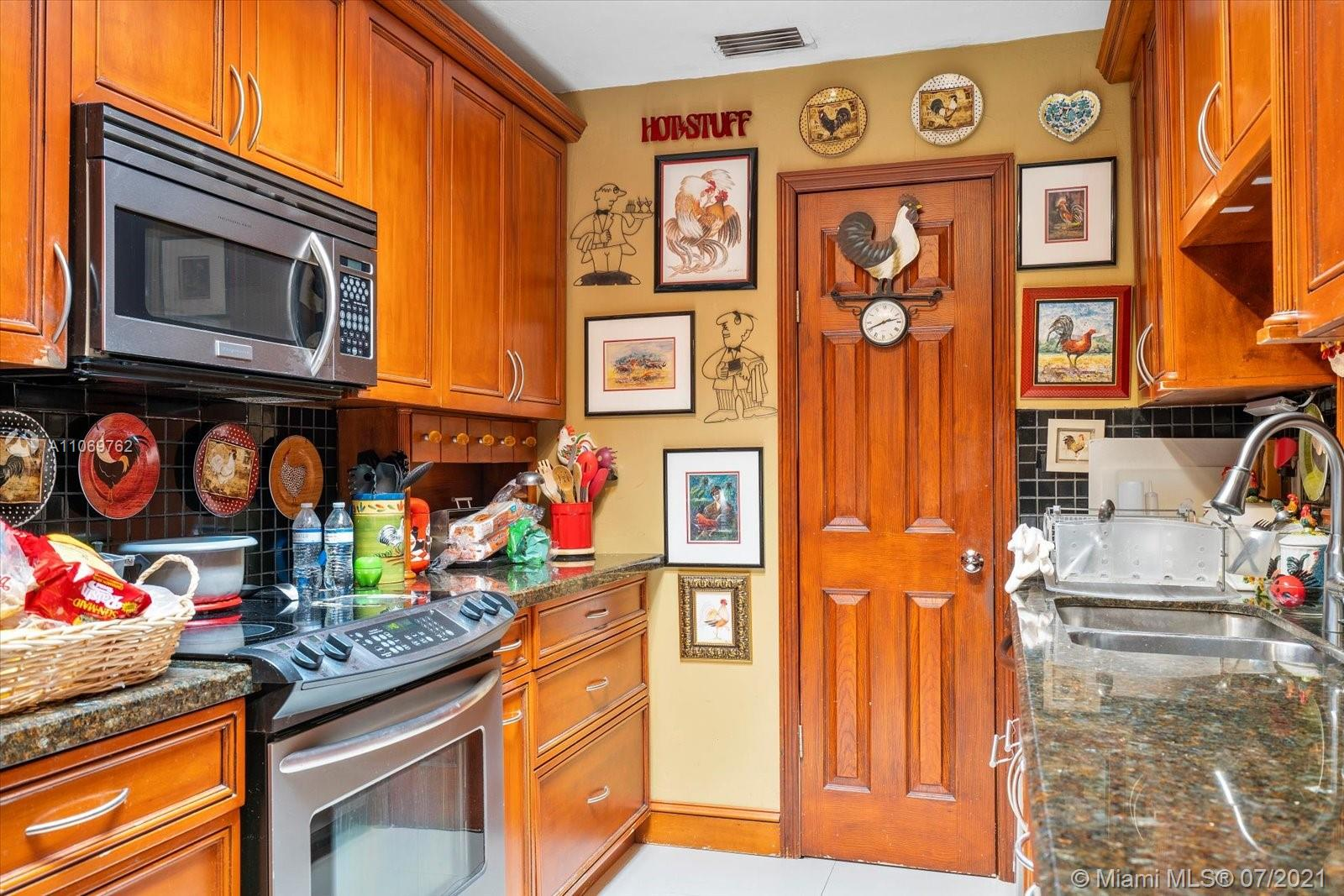 11440 SW 57th Ter photo09