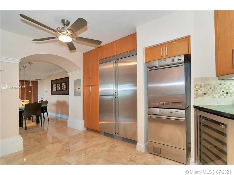 5151 Collins Ave #720 photo06