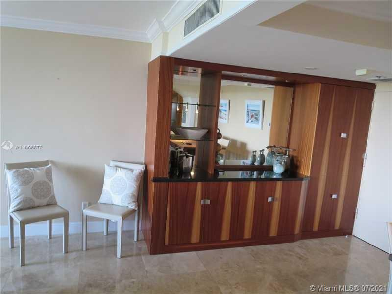 5151 Collins Ave #720 photo05