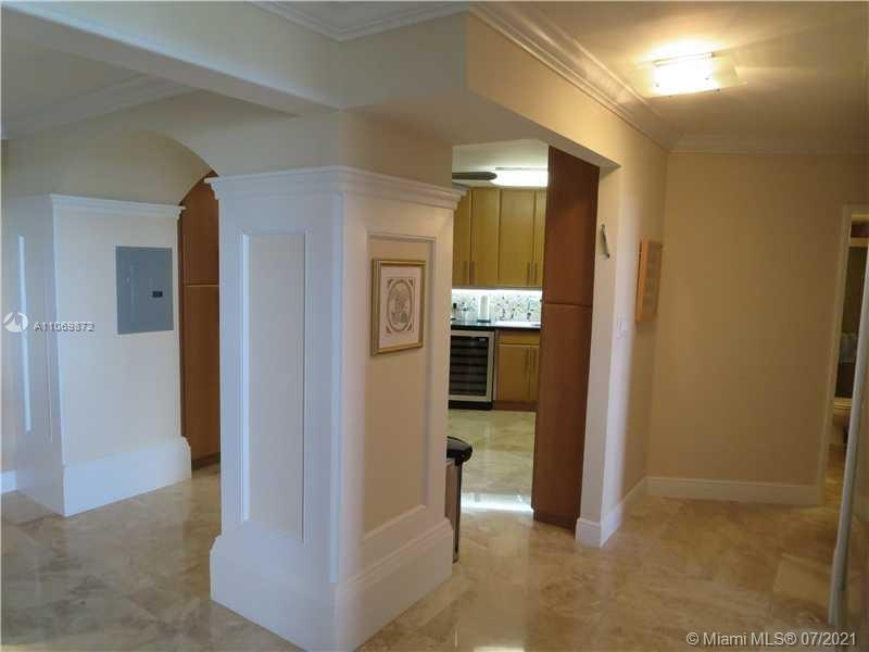 5151 Collins Ave #720 photo09
