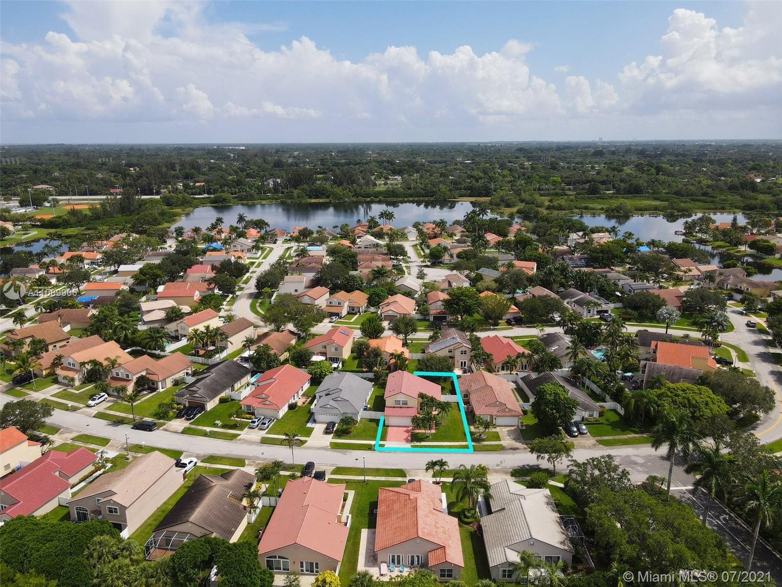 Silver Lakes - 18111 NW 18th St, Pembroke Pines, FL 33029