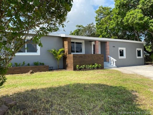 Bisc Gardens - 1000 NW 147th St, Miami, FL 33168