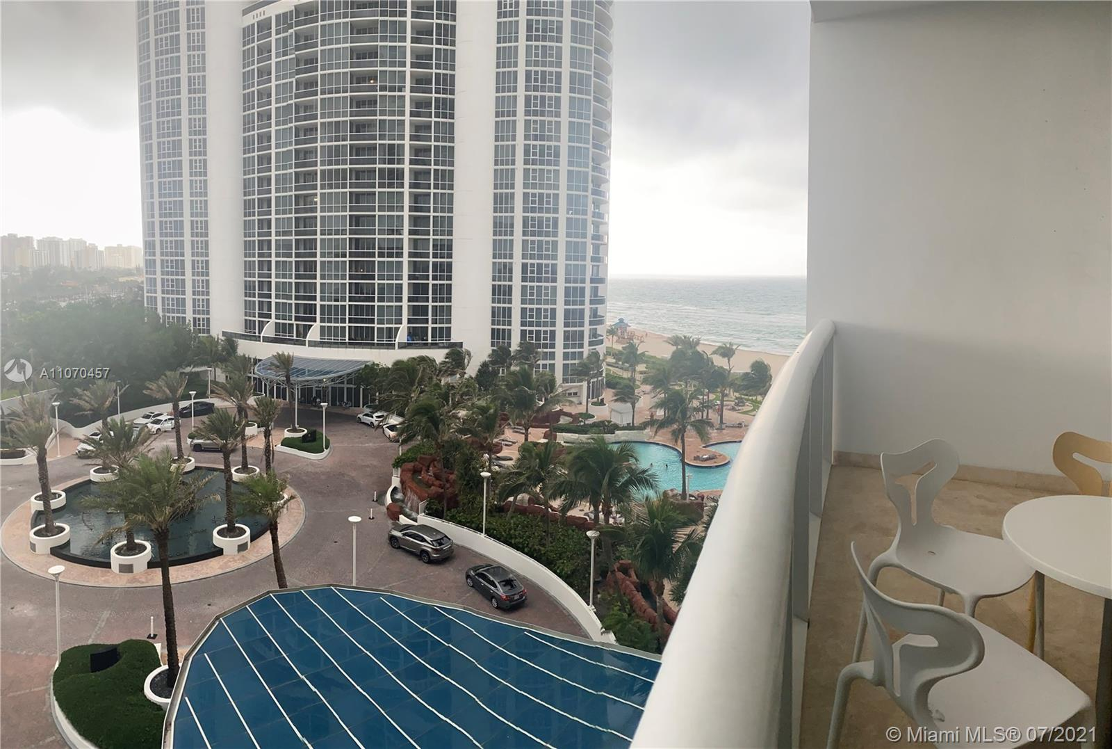 18101 Collins Ave #803 photo01