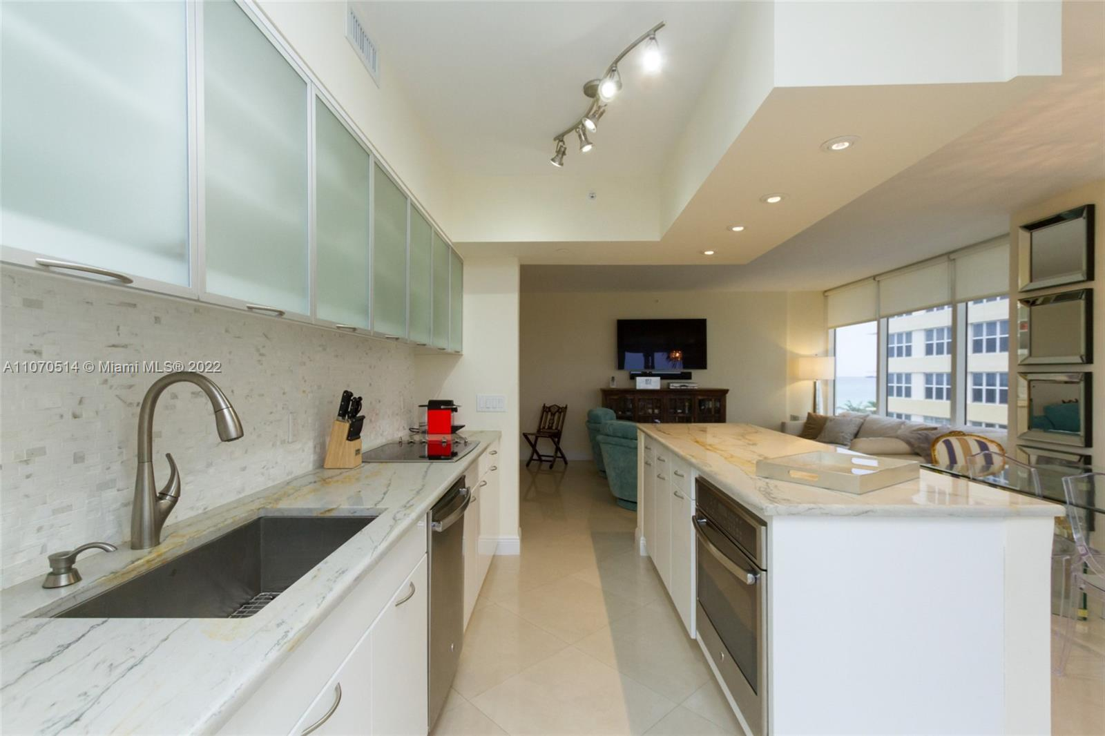 4775 Collins Ave #505 photo016