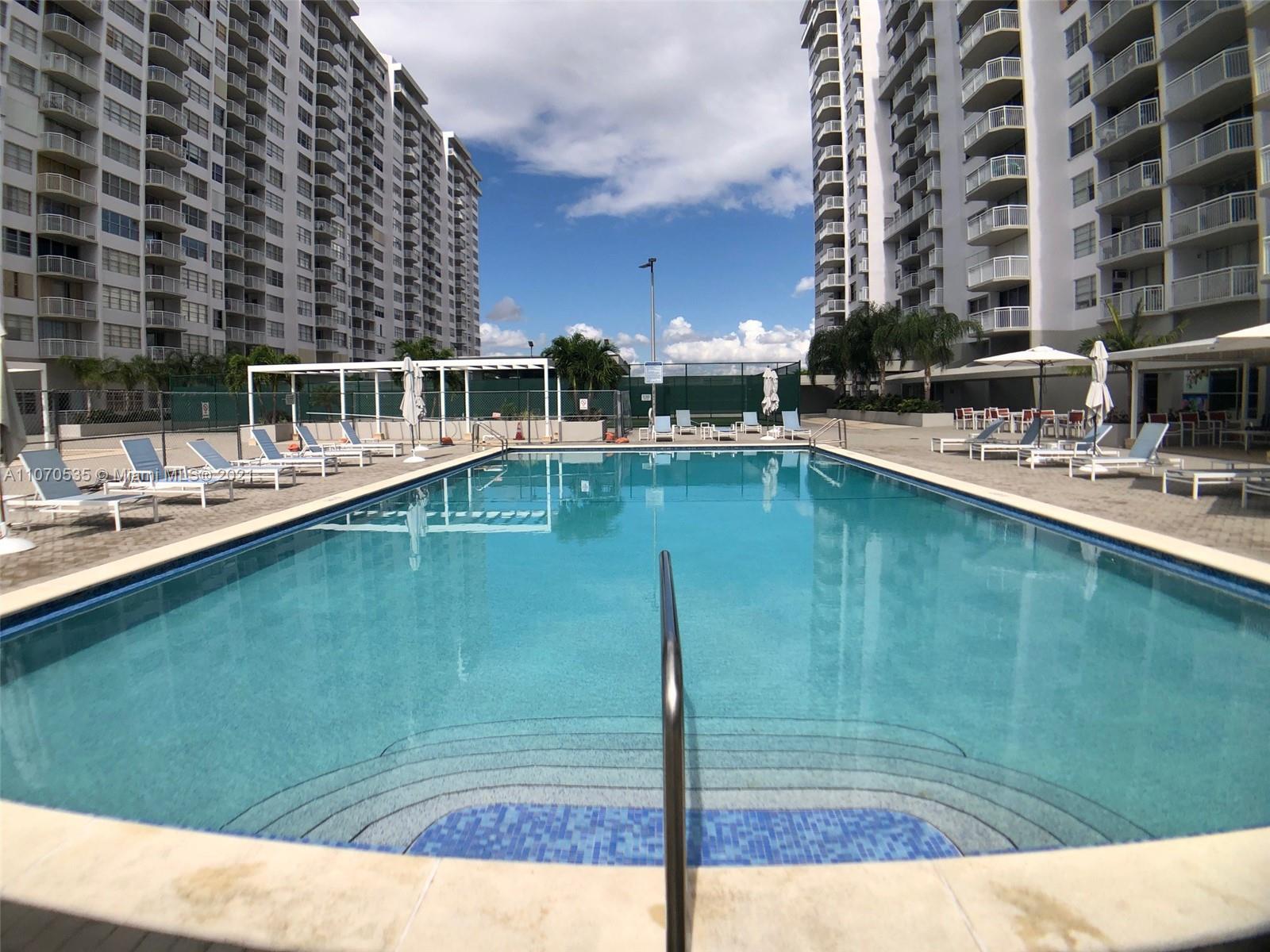 Del Prado #804 - 18071 Biscayne Blvd #804, Aventura, FL 33160