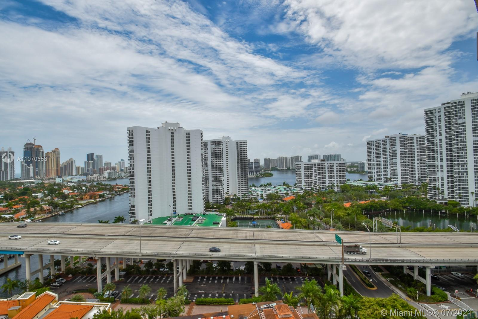 Turnberry Towers #17F - 22 - photo