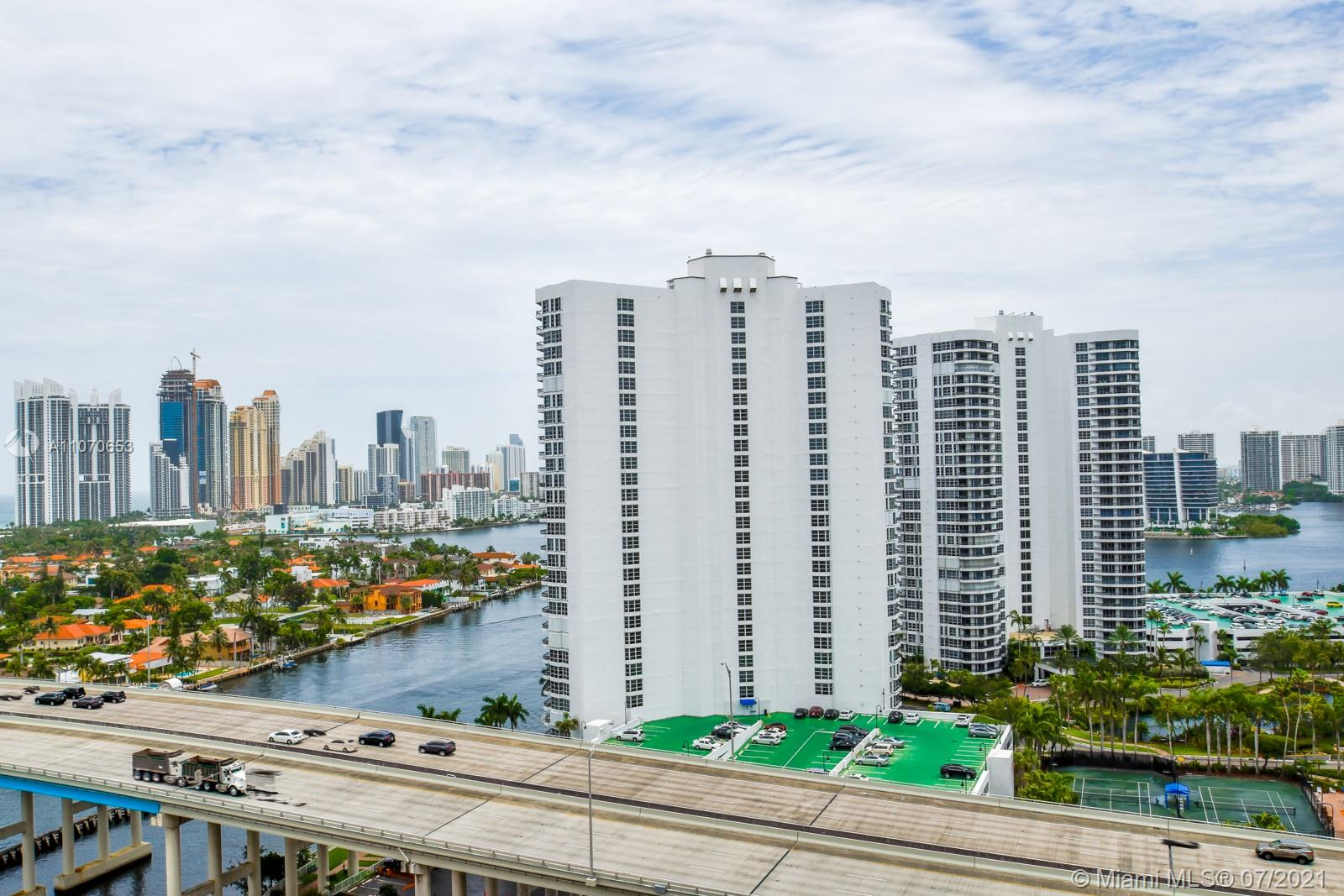 Turnberry Towers #17F - 21 - photo