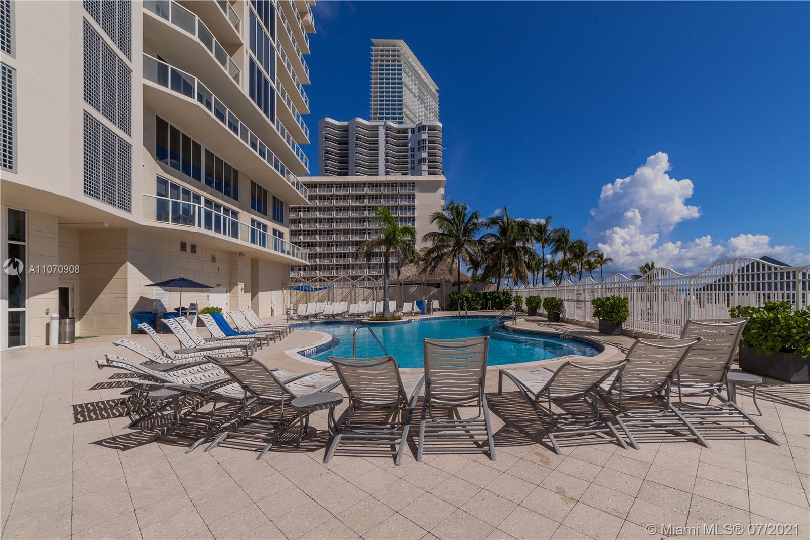 16699 Collins Ave #1807 photo031