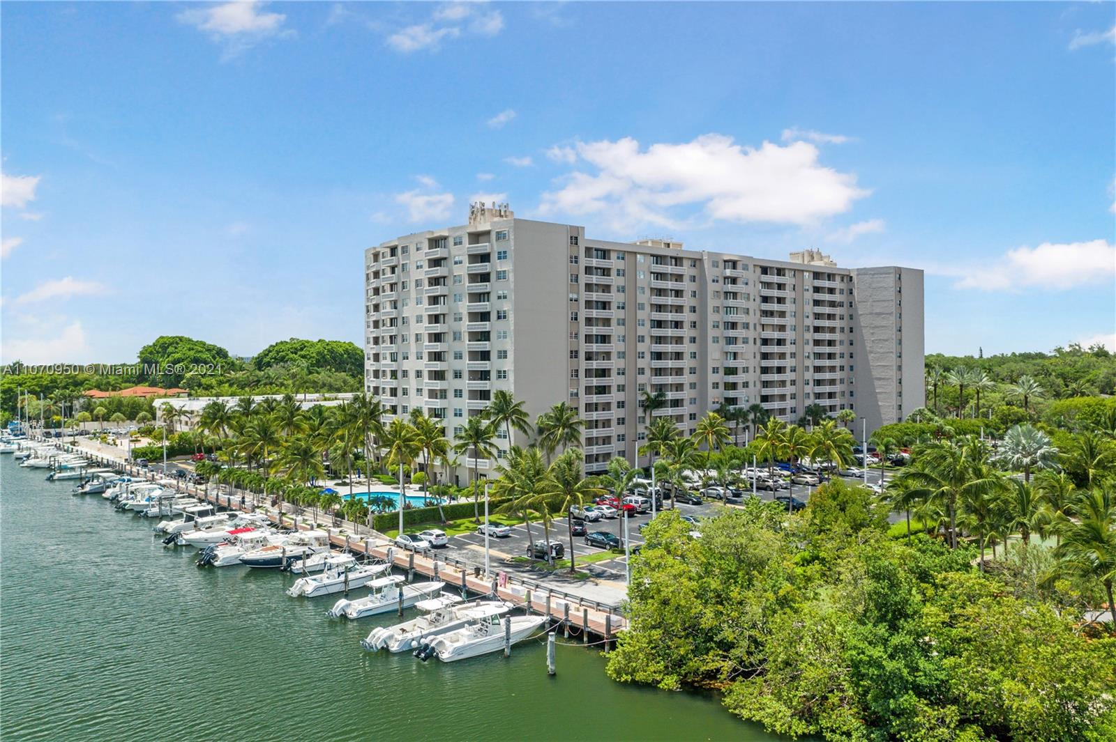 Gables Waterway #815 - 90 Edgewater Dr #815, Coral Gables, FL 33133