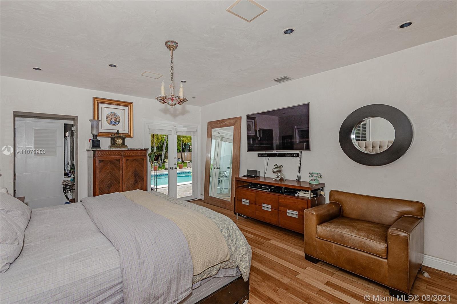 10050 N Miami Ave photo016