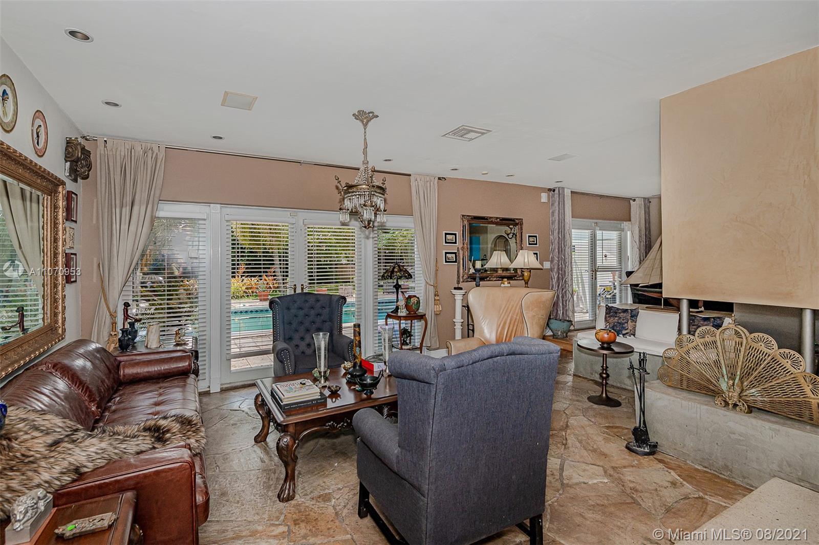10050 N Miami Ave photo012