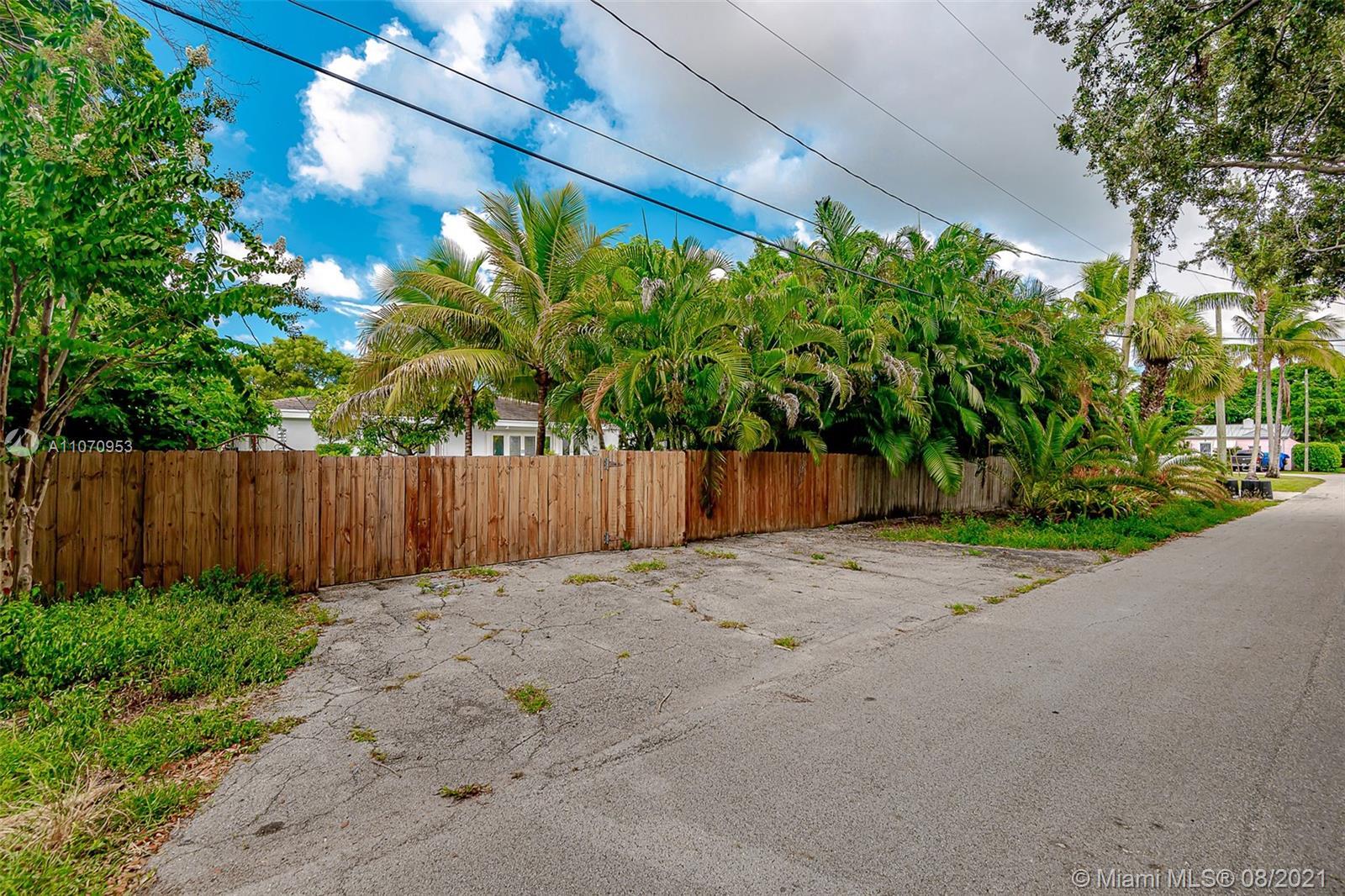 10050 N Miami Ave photo032