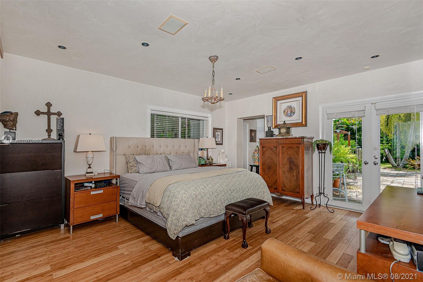 10050 N Miami Ave photo014