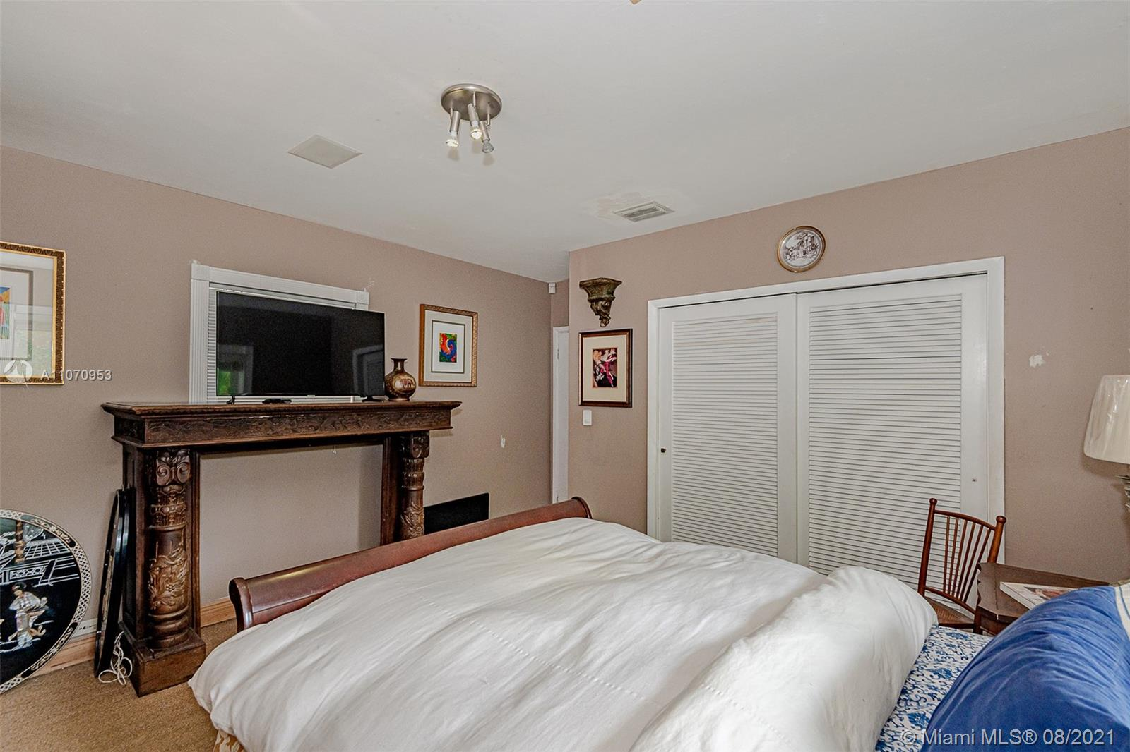 10050 N Miami Ave photo021