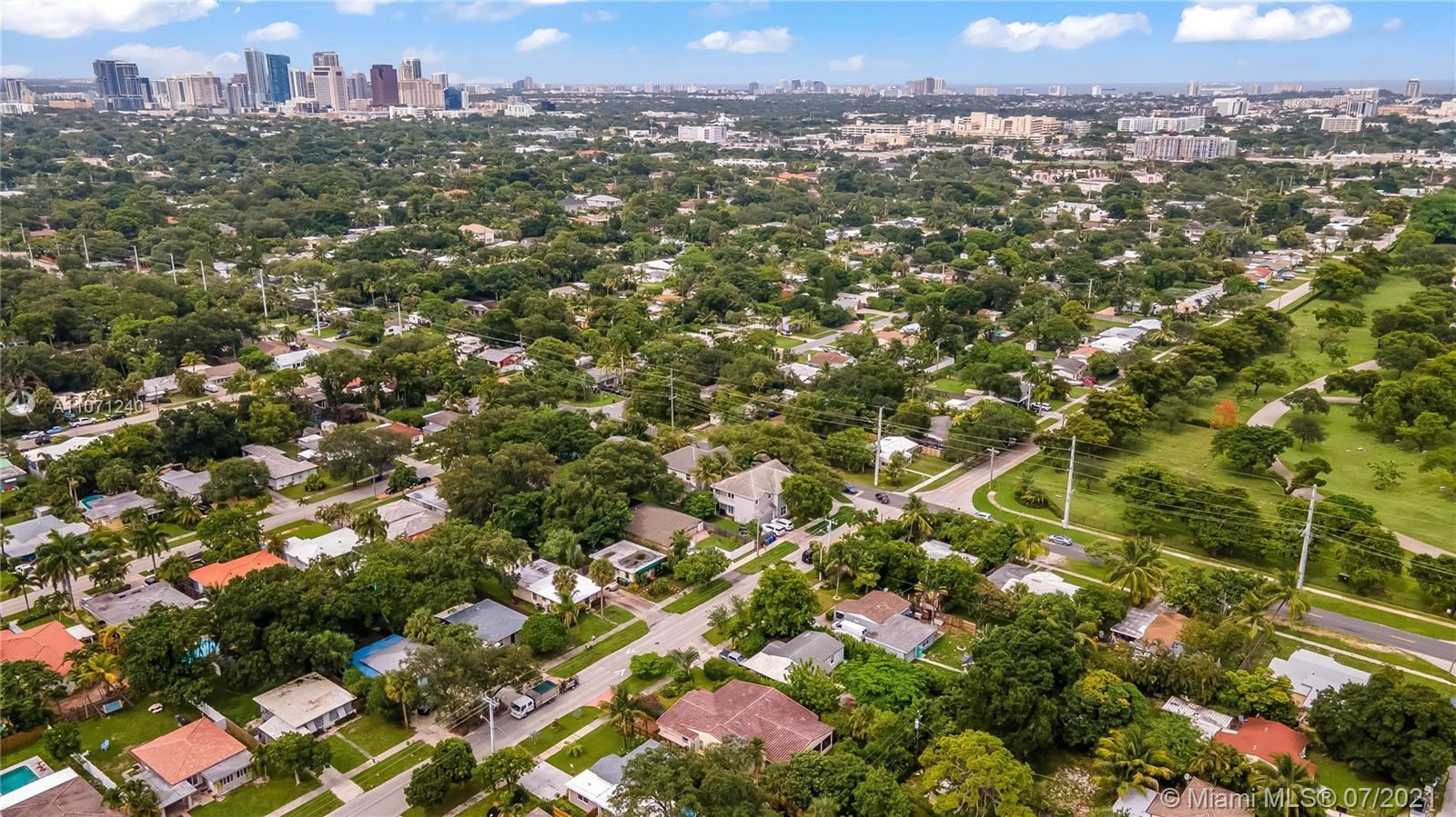 River Oaks - 905 SW 21st St, Fort Lauderdale, FL 33315