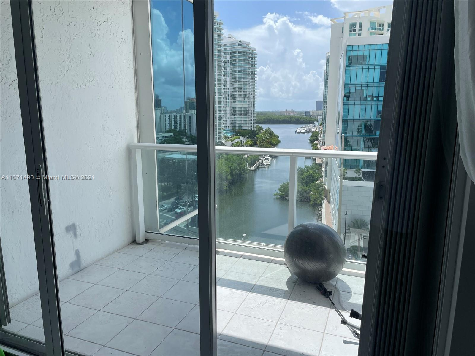 16485 Collins Ave #1034 photo03