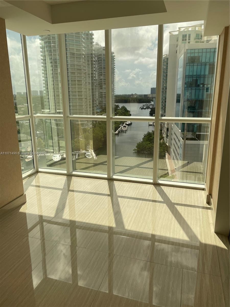 16485 Collins Ave #1034 photo09