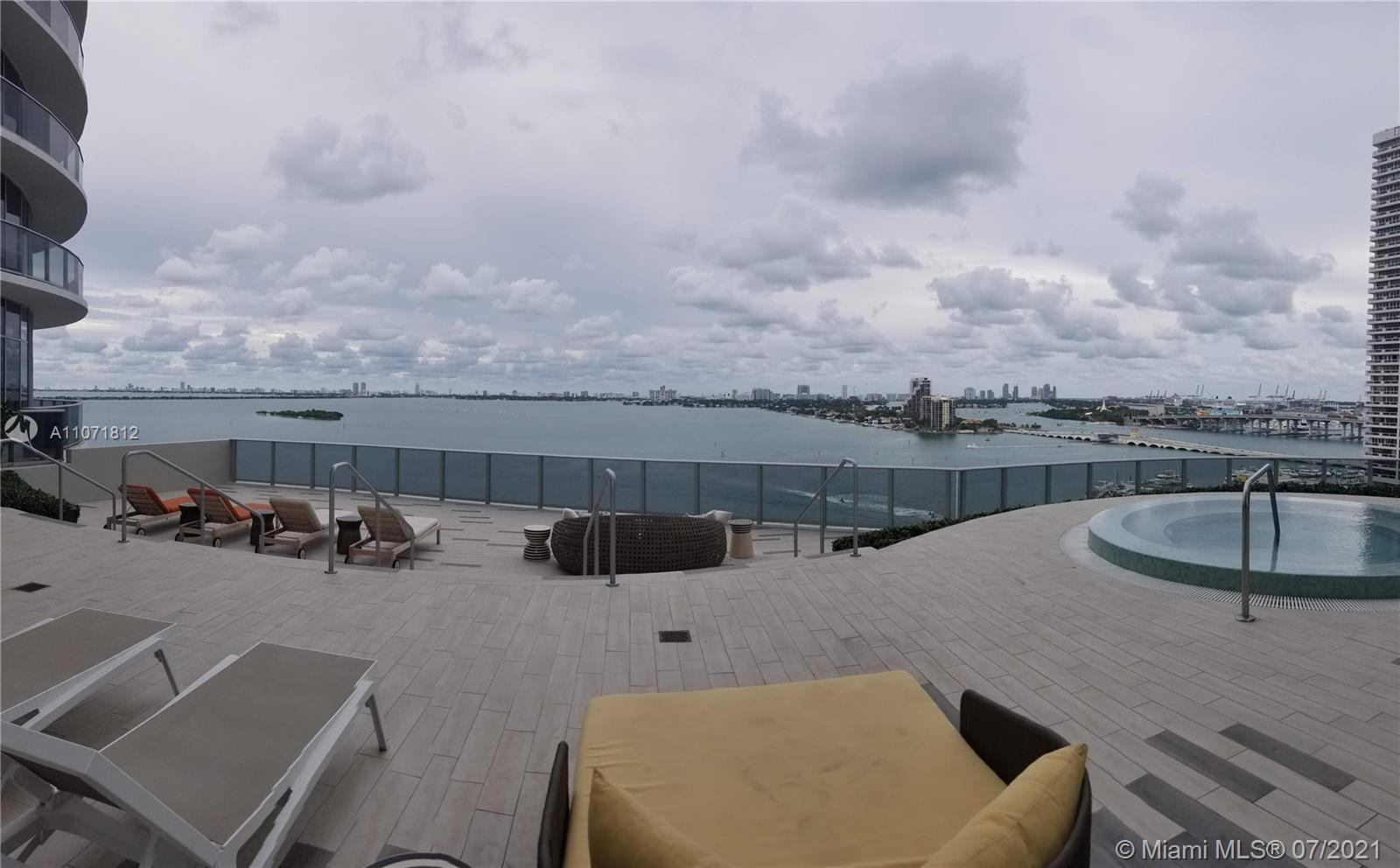 Aria on the Bay #917 - 09 - photo